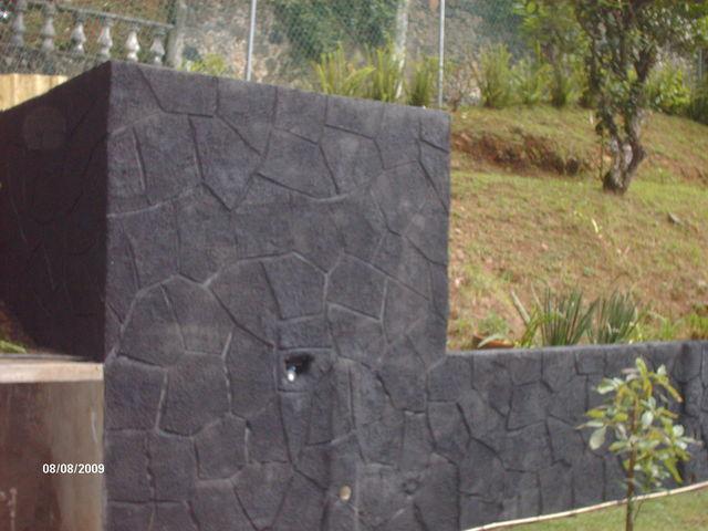 Piedra en polvo volcanica en muro de jardin murillo for Piedra volcanica para jardin